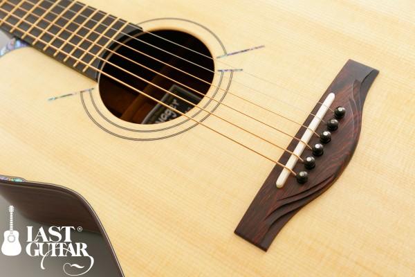 Voyager Guitars VA Honduras Rosewood
